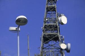 Torres y farolas ayudarán a la señal de móviles