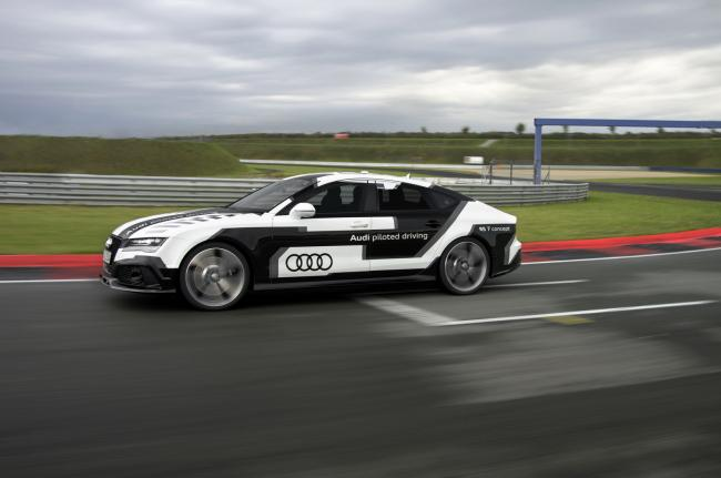 650_1000_audi-rs7-piloted-driving-concept-car-4