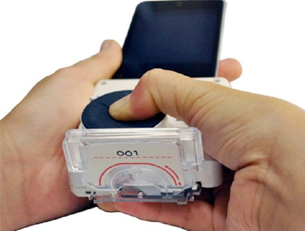 Desarrollo de accesorio de iPhone que detecta SIDA o sífilis