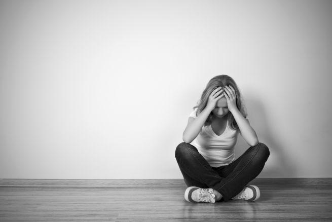 Facebook incluye aplicación para disminuir los suicidios
