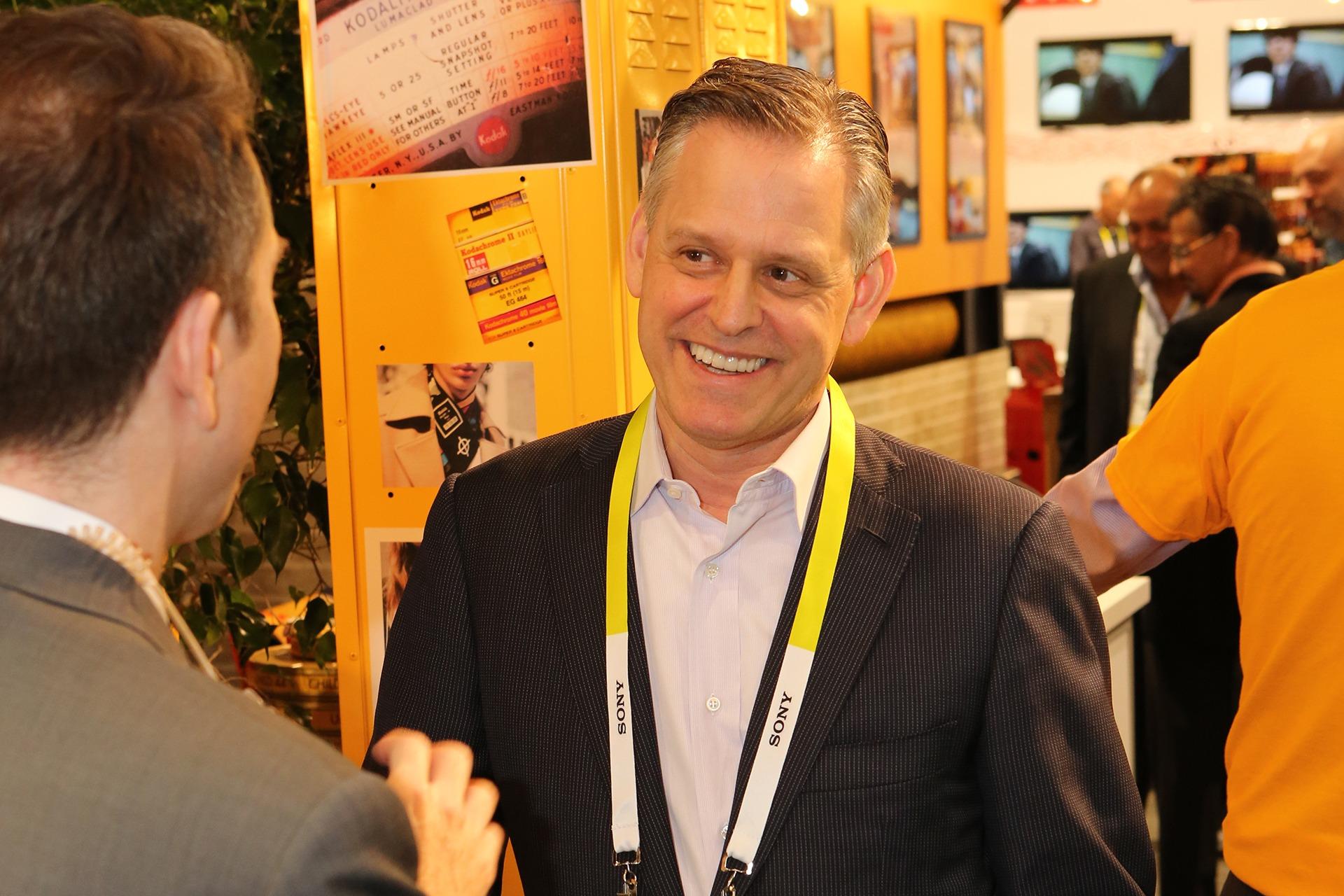 Jeff Clarke, CEO de Kodak durante el CES