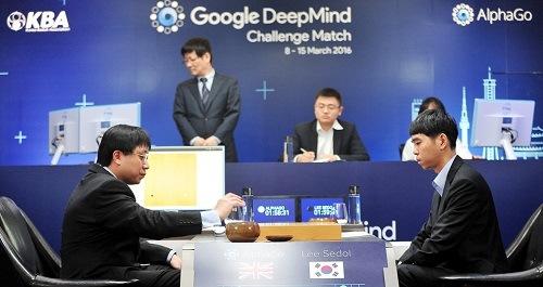 AlphaGo's de Google obtiene una victoria memorable al derrotar a Lee Sedol,  campeón mundial de Go