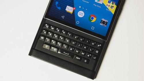 BlackBerry Priv, considerado actualmente como el mejor teléfono con teclado deslizable del mercado.