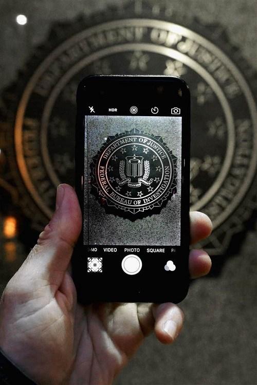 El FBI demandaba obtener una clave maestra para acceder al teléfono bloqueado del asesino