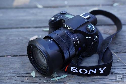 La cámara Sony RX10 III - Impresionante pero sumamente costosa.
