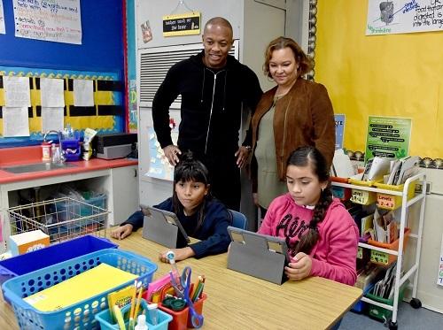 Lo bueno y malo de la donación de tecnologia de Apple a las escuelas