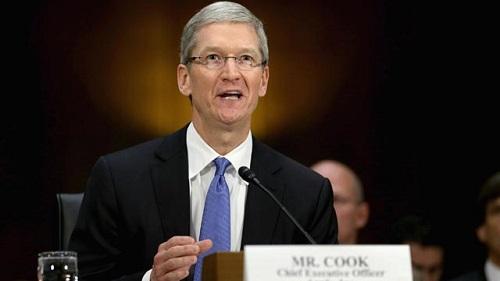 CEO de Apple Tim Cook habla por Apple