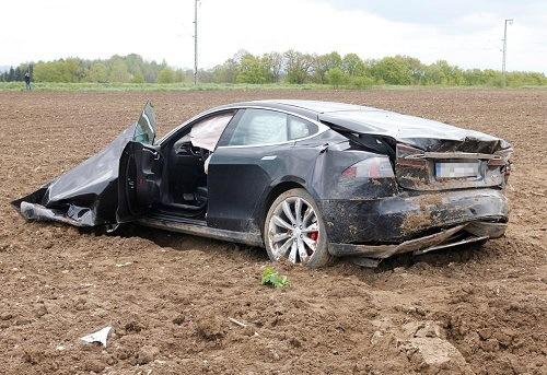 Choque del Tesla 1