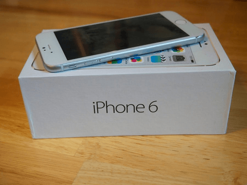 El iPhone se vende con una capacidad inicial de 16GB
