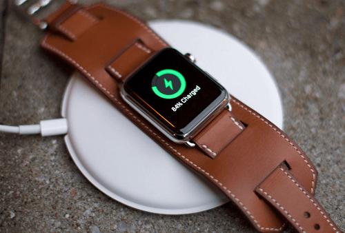 apple-watch-cargandose