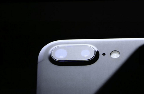 camara-trasera-del-iphone-7-plus-trae-12mp-con-zoom-optico-2x